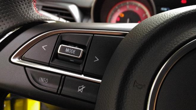 Suzuki Swift Sport Tempomat Schalter am Lenkrad