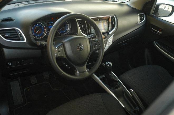 Suzuki Baleno Innenraum Armaturenbrett