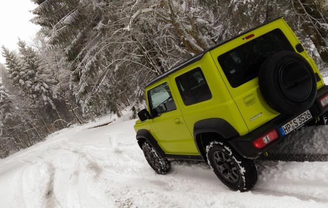 Suzuki Jimny Jeep gelb, Heck