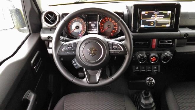 Suzuki Jimny 2 Jeep Armaturenbrett