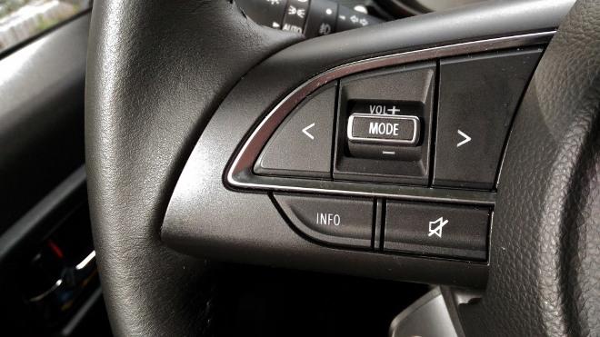 Suzuki Jimny 2 Jeep Tasten am Lenkrad, Audi Steuerung