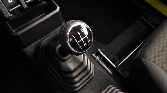 Suzuki Jimny Jeep 5-Gang-Schaltgetriebe