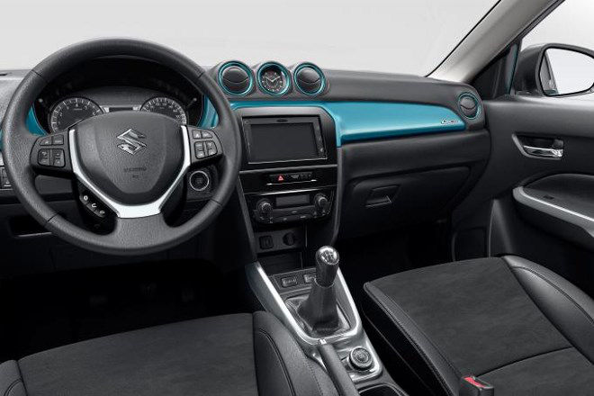 suzuki-vitara-cockpit