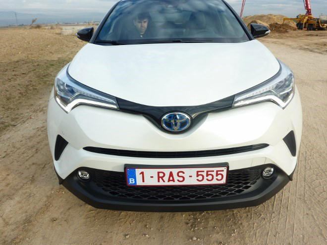 Toyota CHR Front