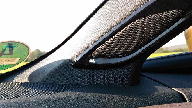 Toyota C-HR Hybrid JBL Soundsystem