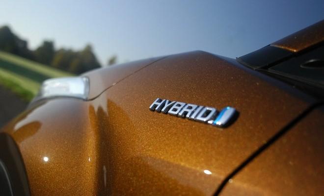 Toyota C-HR Hybrid braun