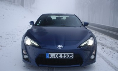 toyota-gt86-test-front
