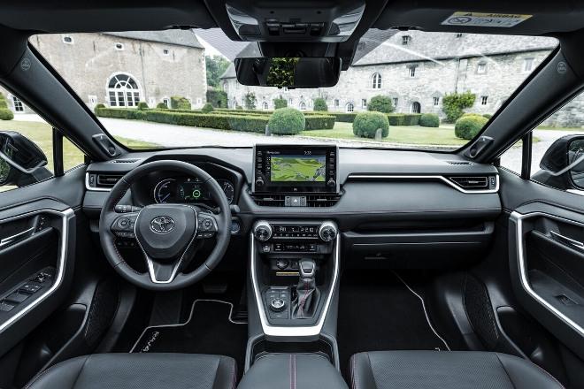 RAV4 Plug in Hybrid Innenraum vorne