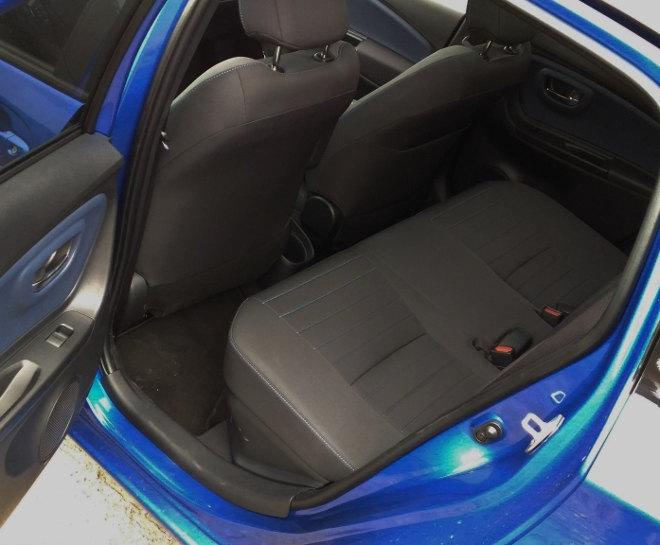 Toyota Yaris Hybrid 2017 hinten sitzen