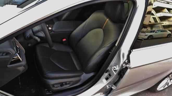 Toyota Camry Hybrid Ledersitz vorne