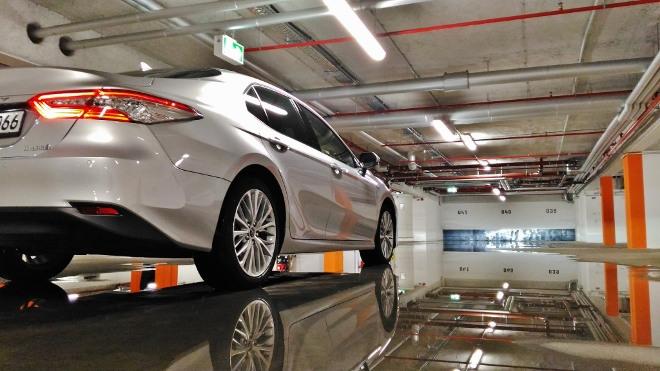 Toyota Camry Hybrid Test