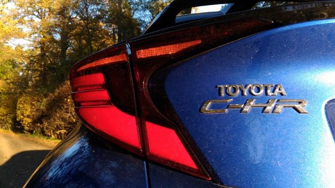 Heck des Toyota C-HR Hybrid 2.0 184 PS Facelift