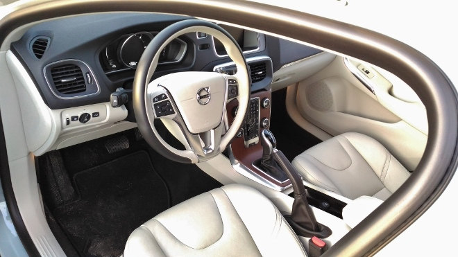 Volvo V40 Cross Country Innenraum