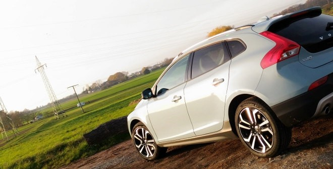 Volvo V40 Cross Country D4 Polestar Test