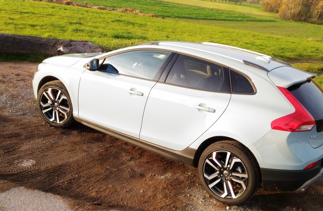 Volvo V40 Cross Country D4 Polestar Seite