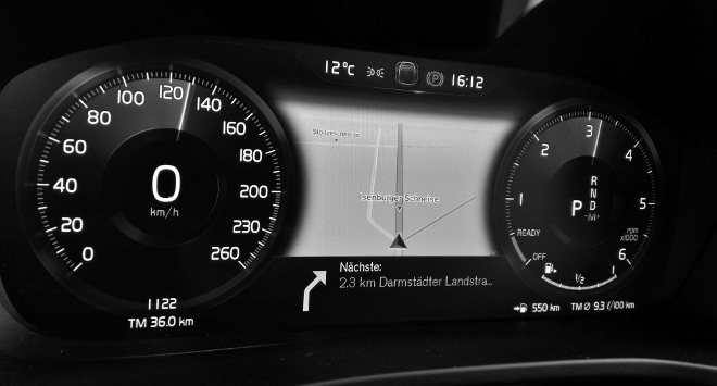 Volvo XC40 Cockit digital mit Navikarte