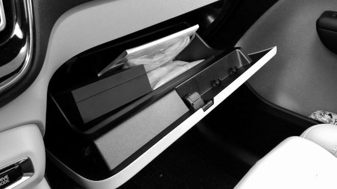 Volvo XC40 Handschufach