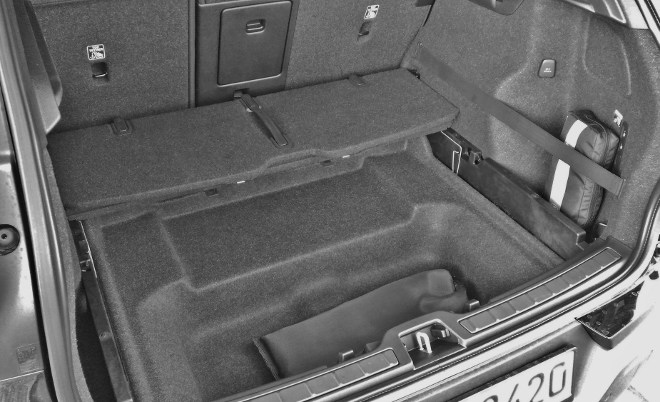 Volvo XC40 Kofferraum, Fach im Boden