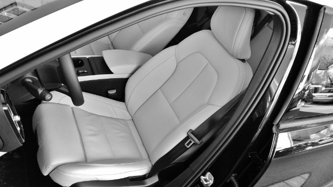 Volvo XC40 sitz mit Lederbezug, hell