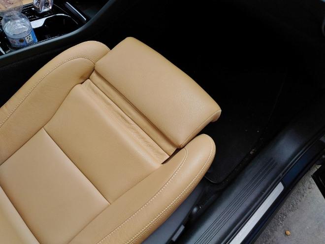 Volvo XC40 Recharge Leder beige