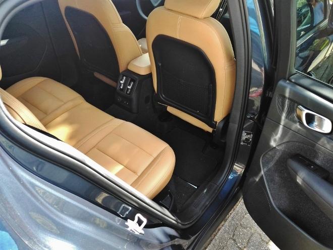 Volvo XC40 Recharge T5 Sitzbank mit Lederpolsterung