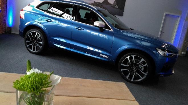 Volvo XC60 2 2017 Design blau