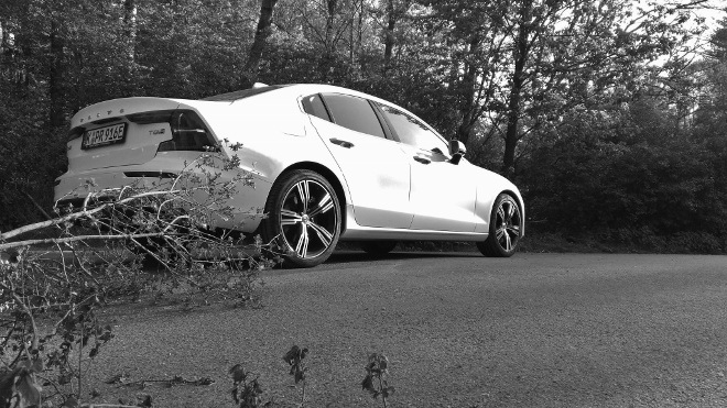 Volvo S60 Recharge T8 white