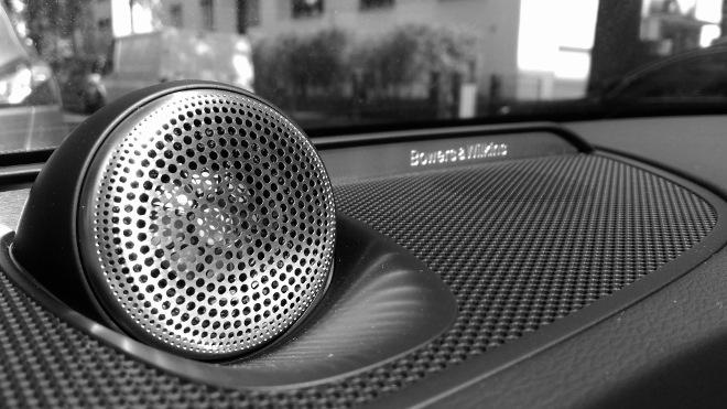 Volvo S60 Recharge T8 Lautsprecher mitte