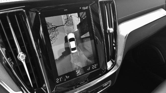 Volvo S60 Recharge T8 Monitor, Parkkamera