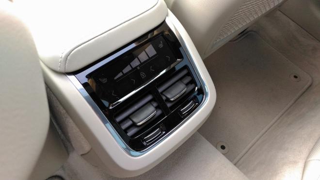 Volvo V60 Kombi Klimaanlage im Fond