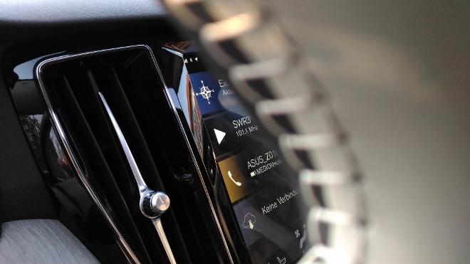 Volvo V60 Kombi Touchscreen horizontal