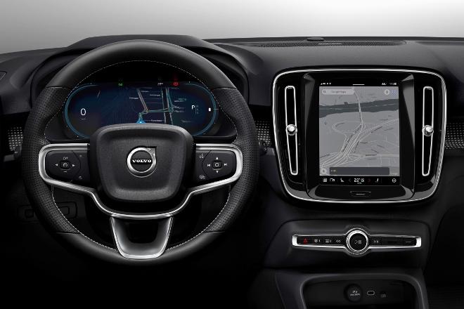 Volvo XC40 Recharge Pure Electric P8 AWD: Volvos Elektro SUV, Armaturenbrett und Infotainment