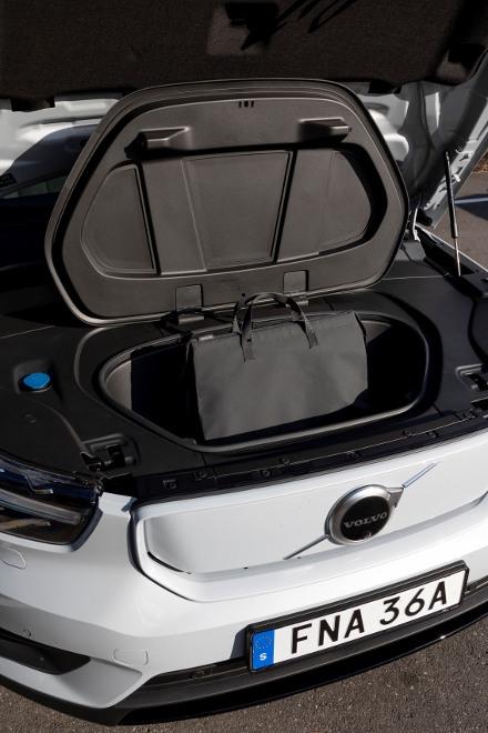 Volvo XC40 Recharge Pure Electric P8 AWD: Volvos Elektro SUV, Fach unter der Motorhaube