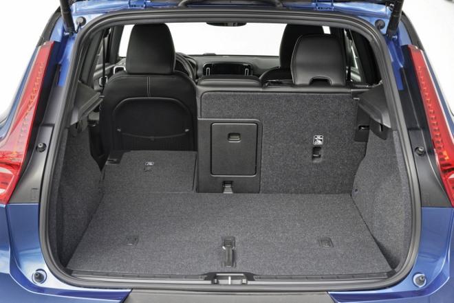 Volvo XC40 Recharge Pure Electric P8 AWD: Volvos Elektro SUV, Kofferraum mit umgeklappter Lehne
