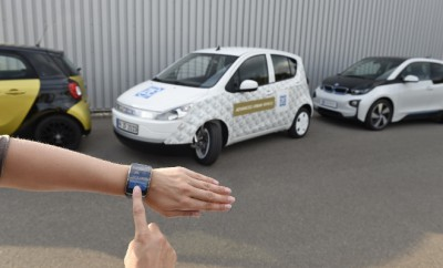 ZF Smart Urban Vehicle beim Einparken